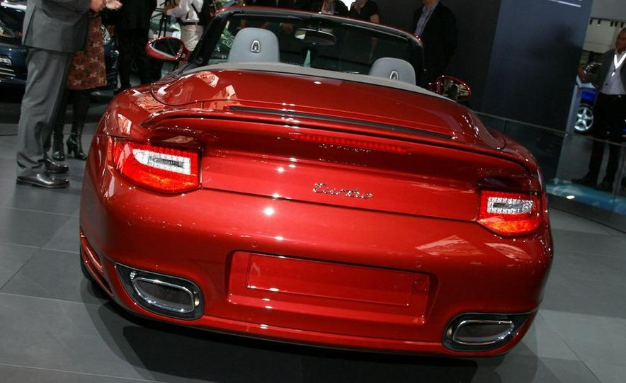 2010 Porsche 911 Turbo Cabriolet - Slide 25