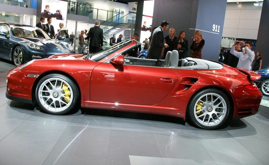 2010 Porsche 911 Turbo Cabriolet - Slide 35