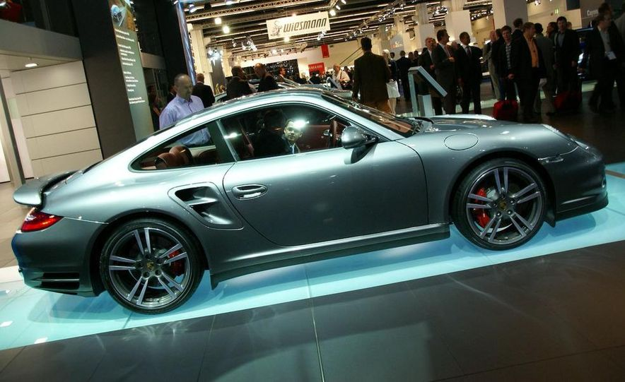 2010 Porsche 911 Turbo Cabriolet - Slide 57