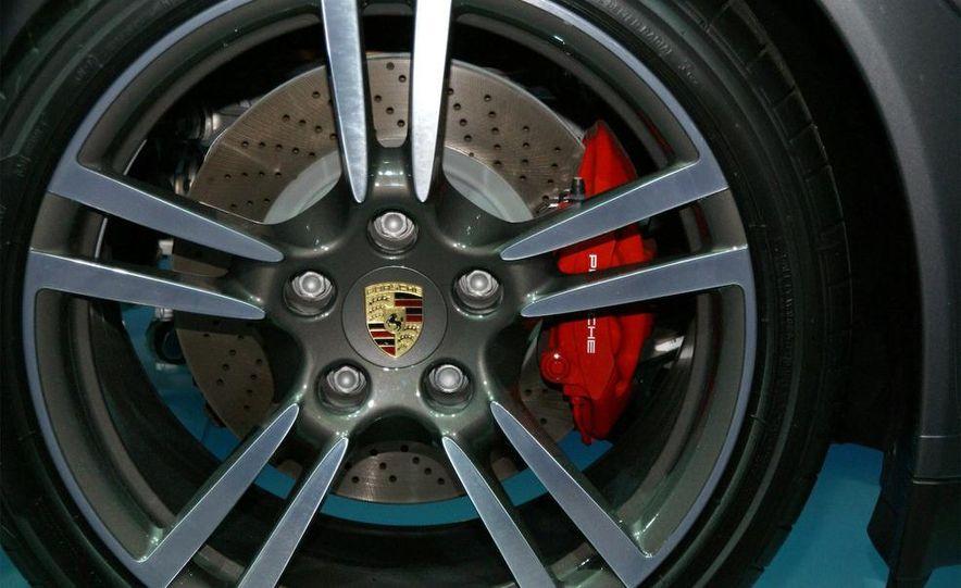 2010 Porsche 911 Turbo Cabriolet - Slide 55