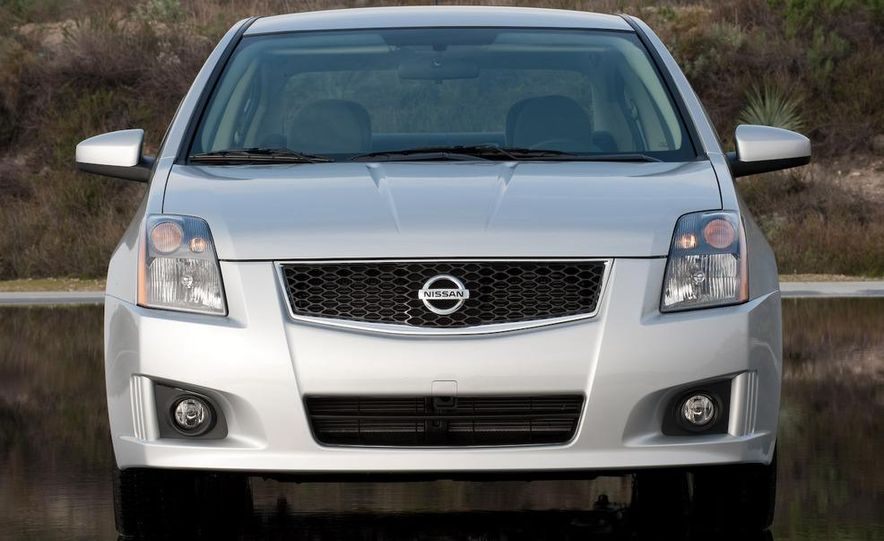 2009 Nissan Sentra FE+ 2.0 SR - Slide 6