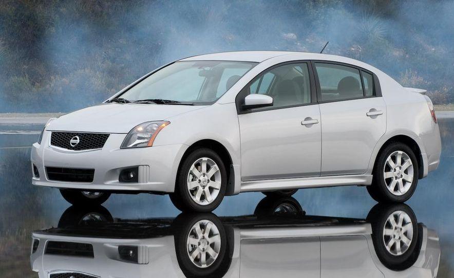2009 Nissan Sentra FE+ 2.0 SR - Slide 15