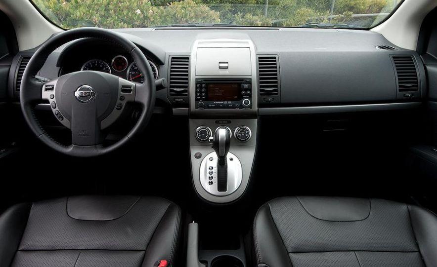 2009 Nissan Sentra FE+ 2.0 SR - Slide 16