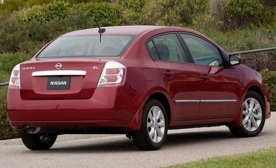2009 Nissan Sentra FE+ 2.0 SR - Slide 17