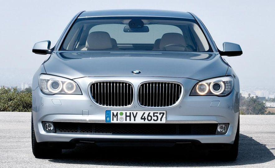 2010 BMW ActiveHybrid 7 - Slide 13