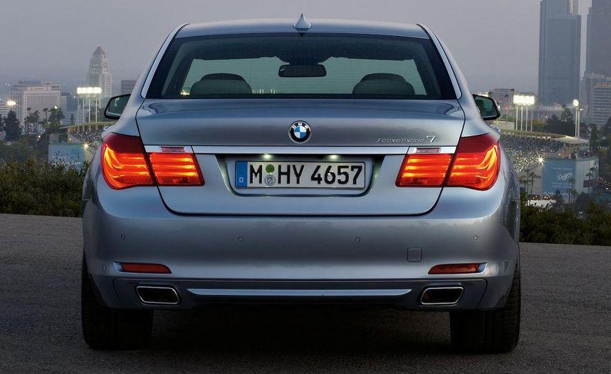 2010 BMW ActiveHybrid 7 - Slide 27