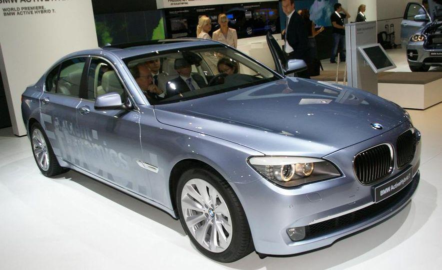 2010 BMW ActiveHybrid 7 - Slide 2