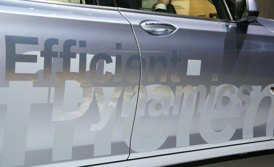 2010 BMW ActiveHybrid 7 - Slide 11