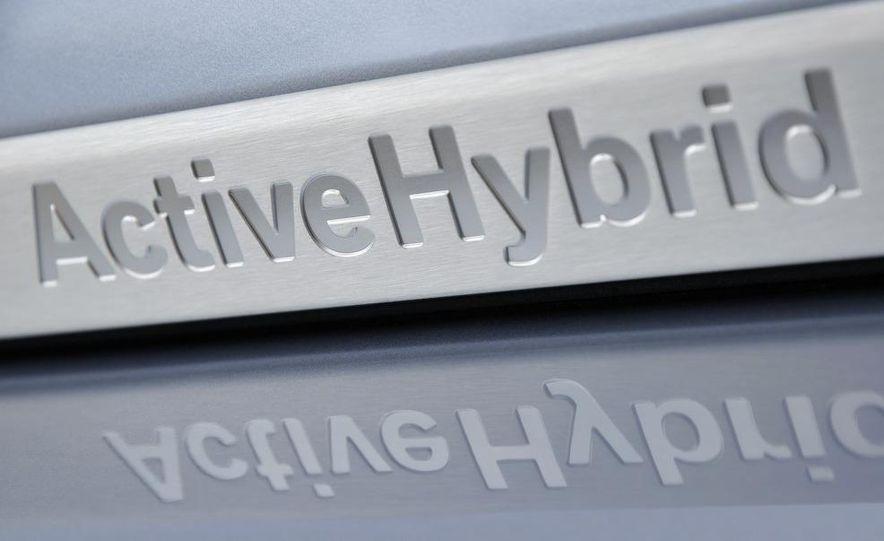 2010 BMW ActiveHybrid X6 - Slide 42