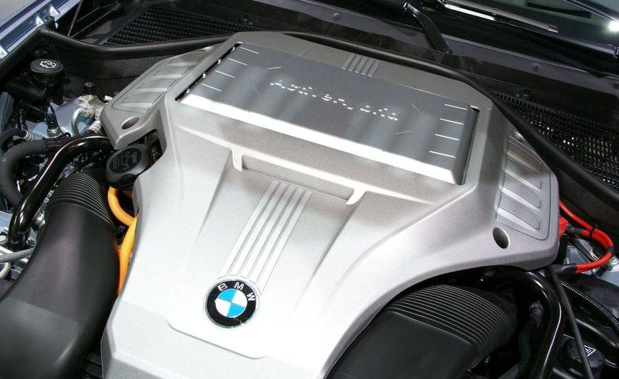 2010 BMW ActiveHybrid X6 - Slide 11