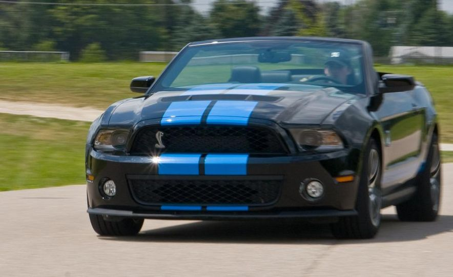 2010 Ford Mustang Shelby GT500 convertible - Slide 3