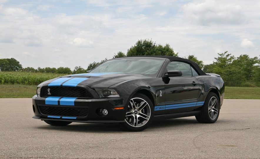 2010 Ford Mustang Shelby GT500 convertible - Slide 5