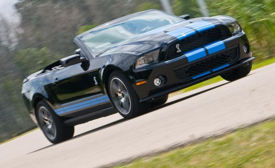 2010 Ford Mustang Shelby GT500 convertible - Slide 12
