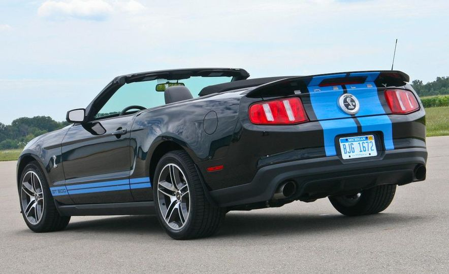 2010 Ford Mustang Shelby GT500 convertible - Slide 18