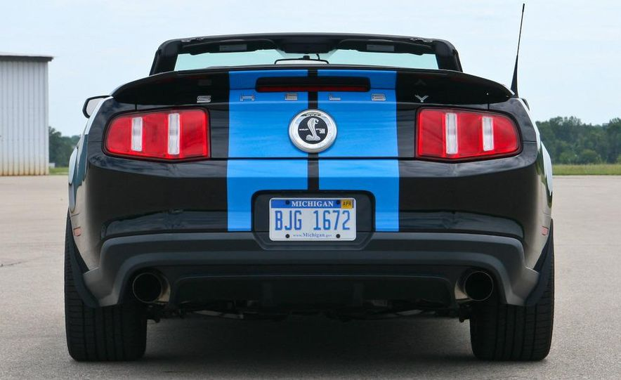 2010 Ford Mustang Shelby GT500 convertible - Slide 19