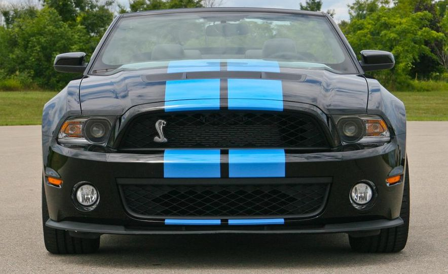 2010 Ford Mustang Shelby GT500 convertible - Slide 22