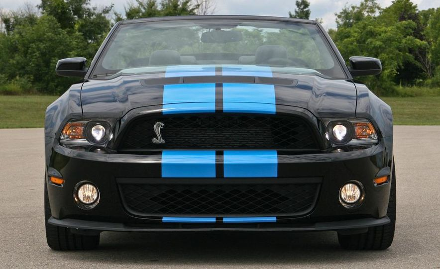 2010 Ford Mustang Shelby GT500 convertible - Slide 24