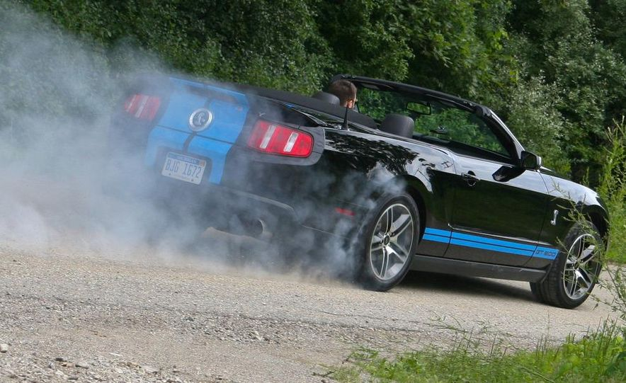 2010 Ford Mustang Shelby GT500 convertible - Slide 74