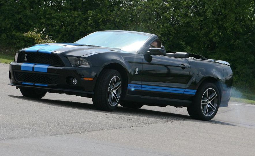 2010 Ford Mustang Shelby GT500 convertible - Slide 75