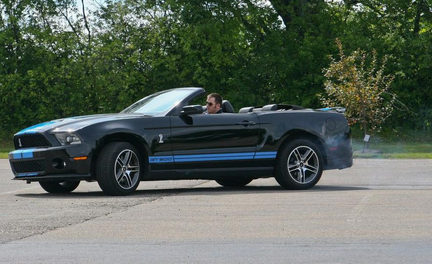 2010 Ford Mustang Shelby GT500 convertible - Slide 76