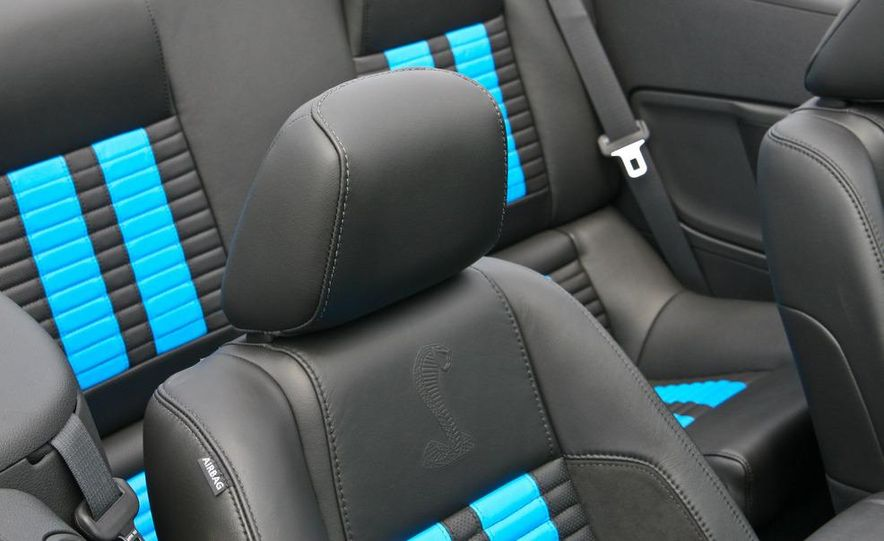 2010 Ford Mustang Shelby GT500 convertible - Slide 30