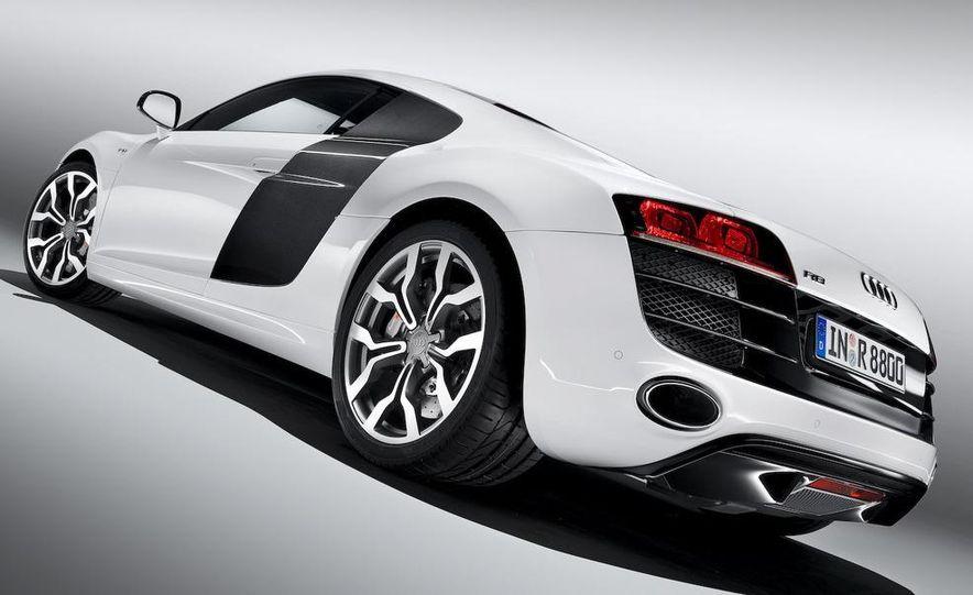 2010 Audi R8 5.2 V-10 FSI Quattro LED headlight and daytime-running-light - Slide 16