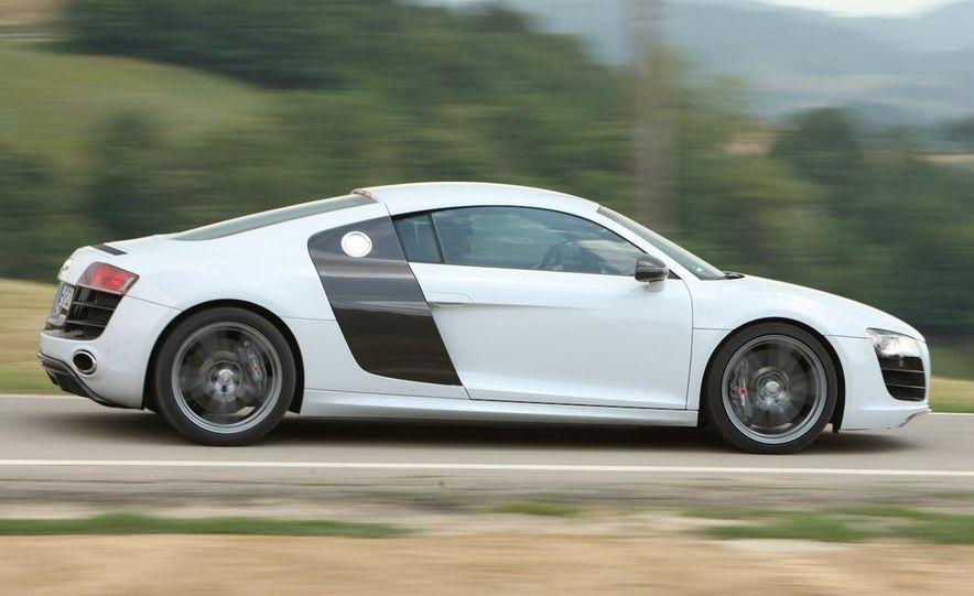 2010 Audi R8 5.2 V-10 FSI Quattro LED headlight and daytime-running-light - Slide 10