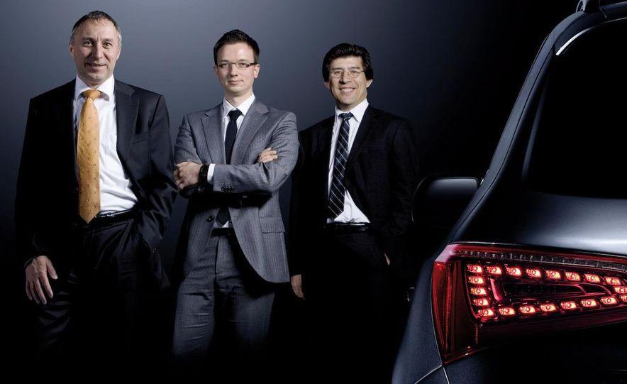 2010 Audi R8 5.2 V-10 FSI Quattro LED headlight and daytime-running-light - Slide 2