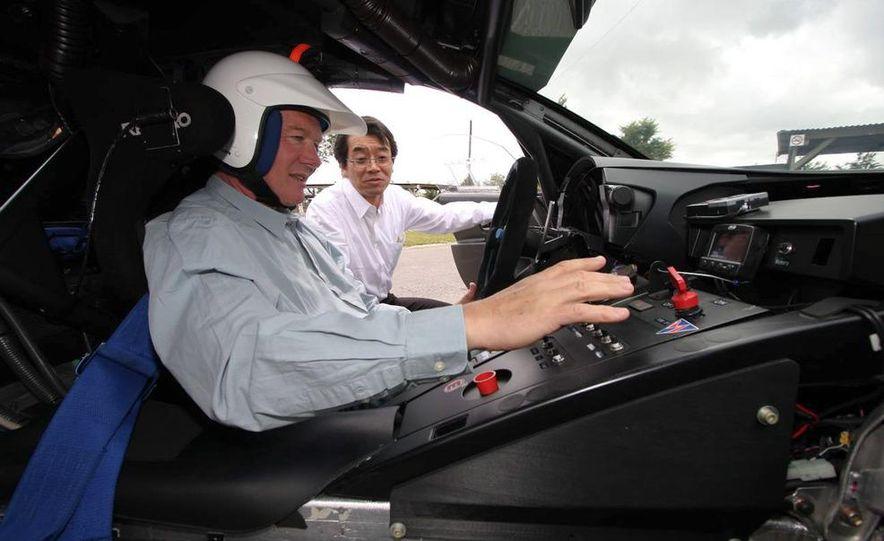 2011 Lexus LF-A prototype - Slide 24