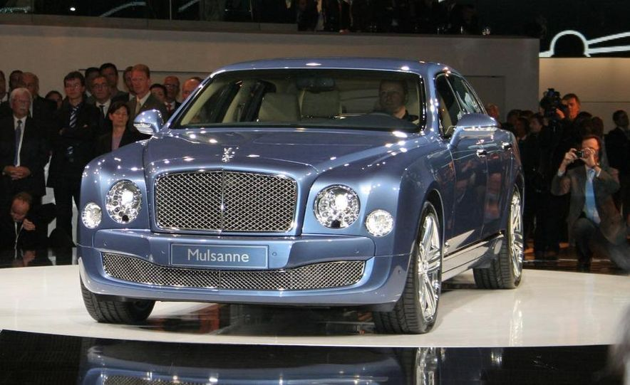 2011 Bentley Mulsanne front three-quarter view - Slide 22