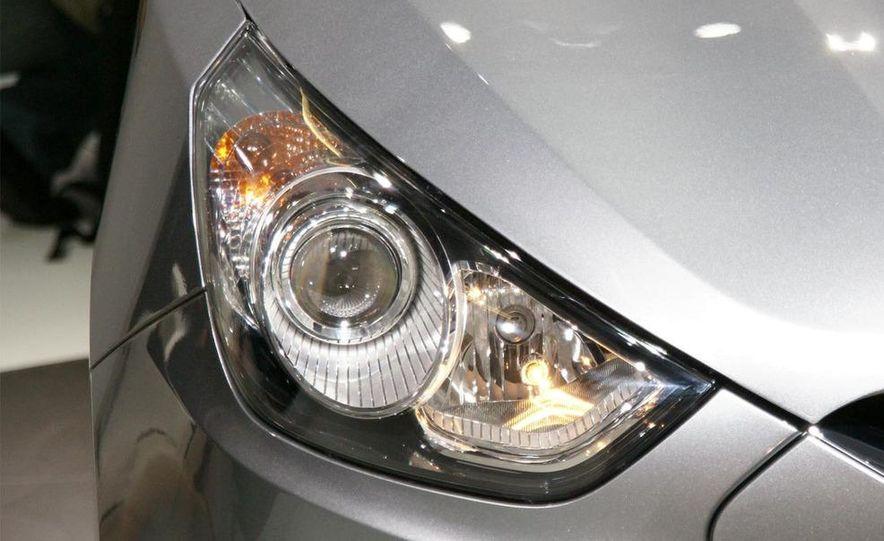 2010 Hyundai Tucson - Slide 33
