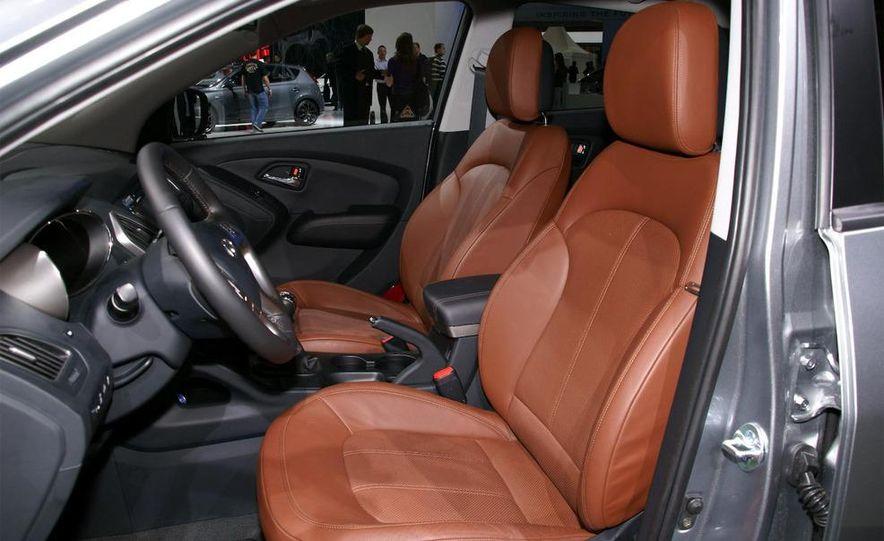 2010 Hyundai Tucson - Slide 5