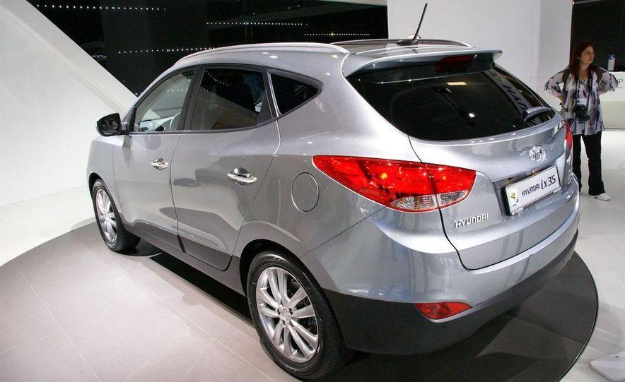 2010 Hyundai Tucson - Slide 15