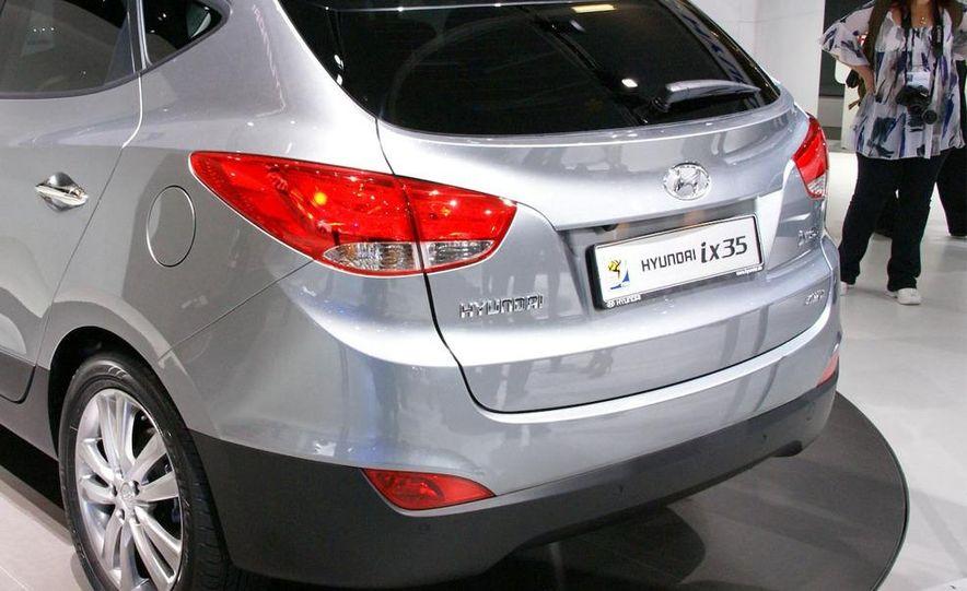 2010 Hyundai Tucson - Slide 16
