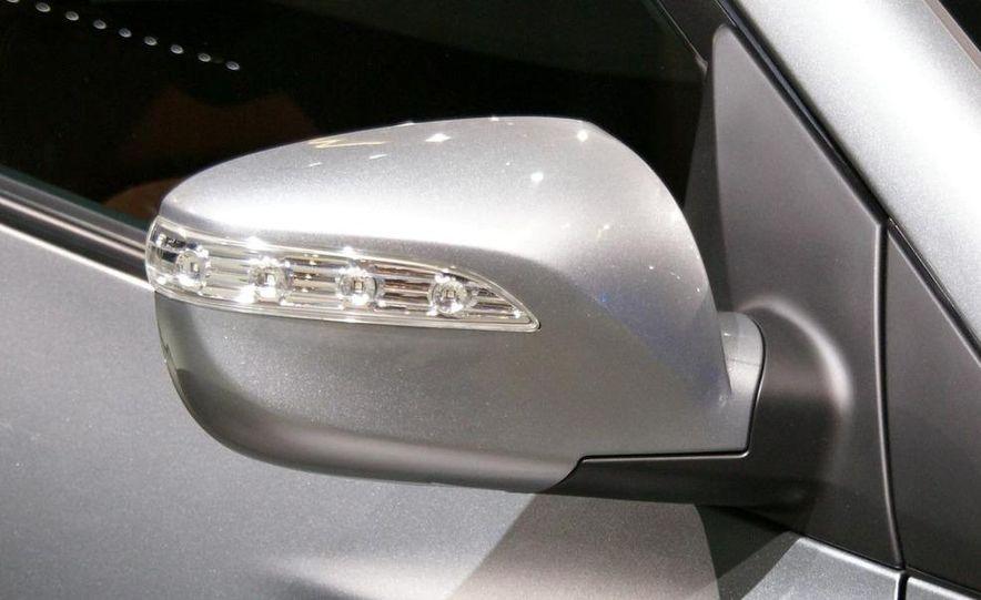 2010 Hyundai Tucson - Slide 11