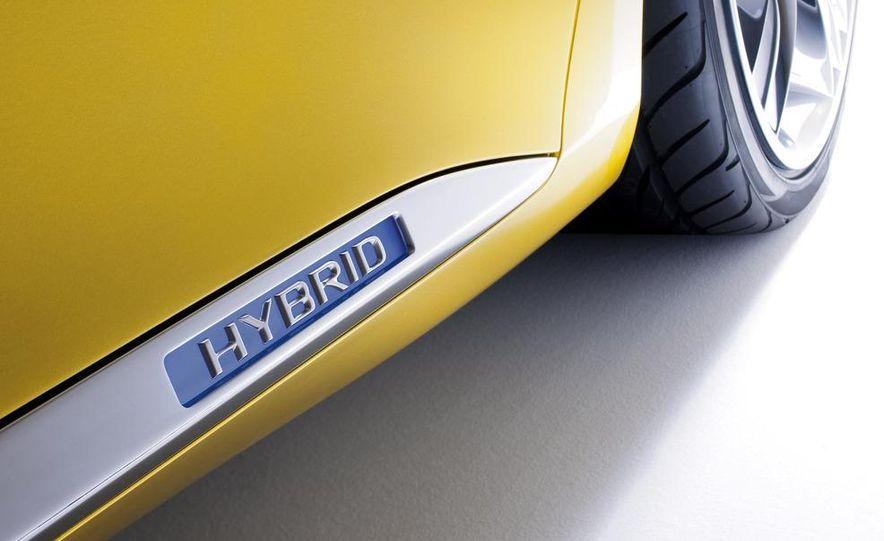 Lexus LF-Ch concept - Slide 40