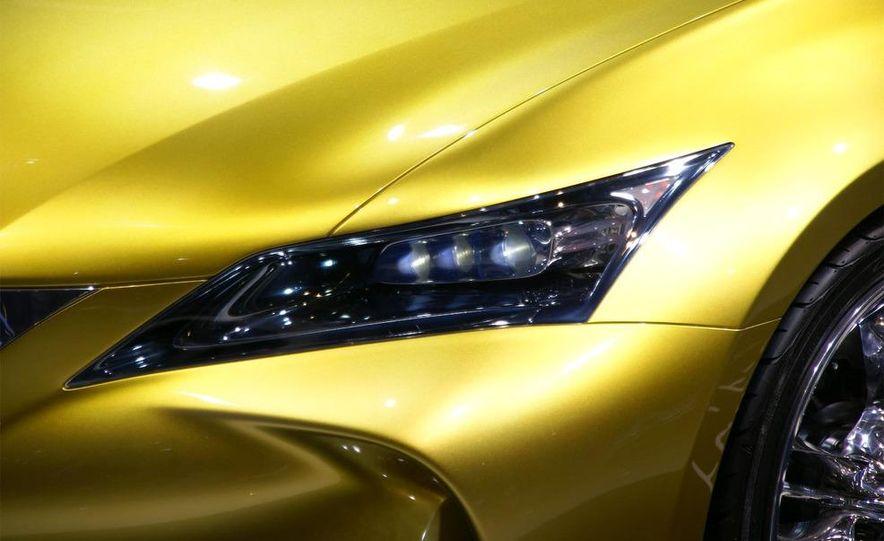 Lexus LF-Ch concept - Slide 12
