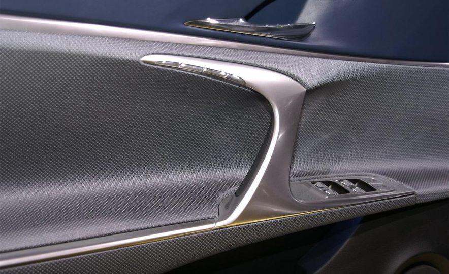 Lexus LF-Ch concept - Slide 29