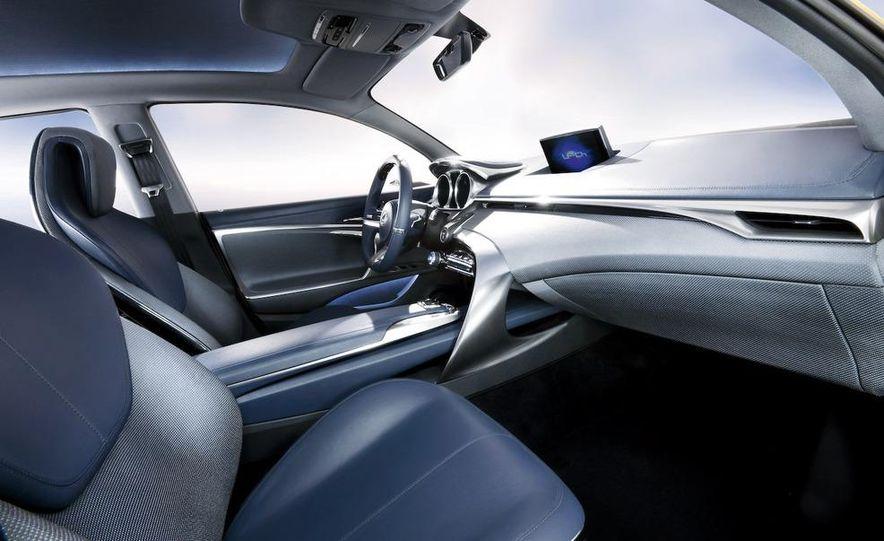Lexus LF-Ch concept - Slide 41