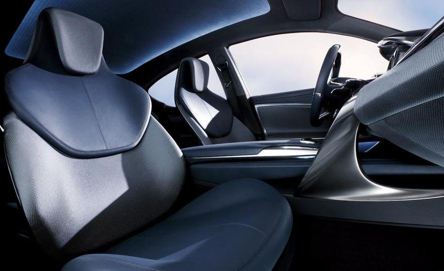 Lexus LF-Ch concept - Slide 42