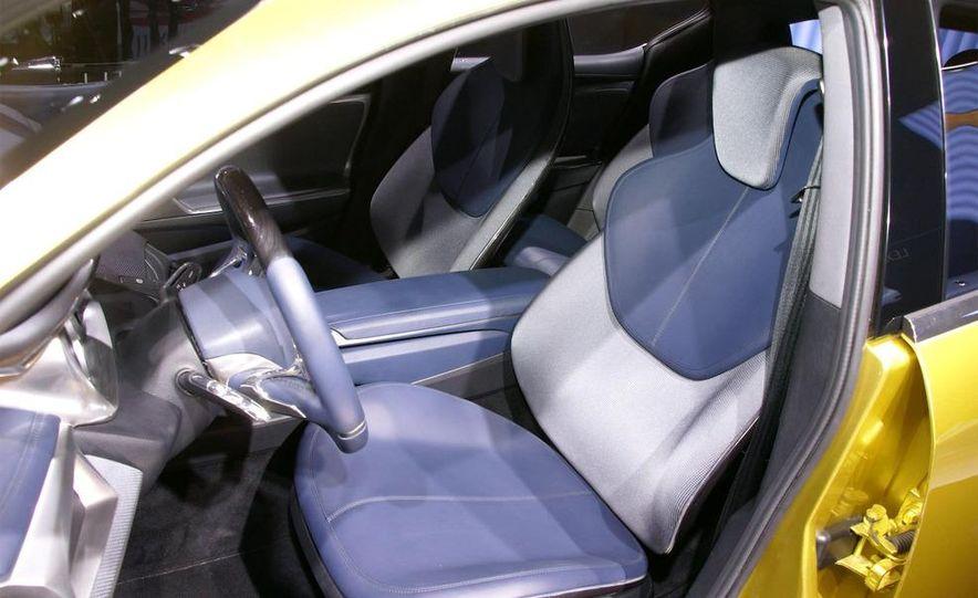 Lexus LF-Ch concept - Slide 26