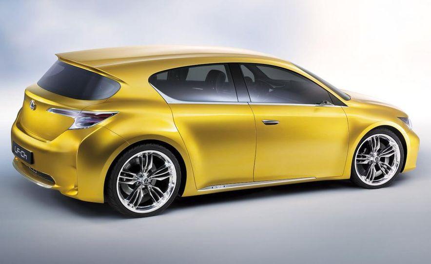 Lexus LF-Ch concept - Slide 33