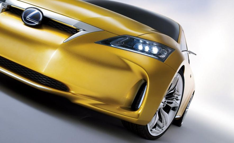 Lexus LF-Ch concept - Slide 37
