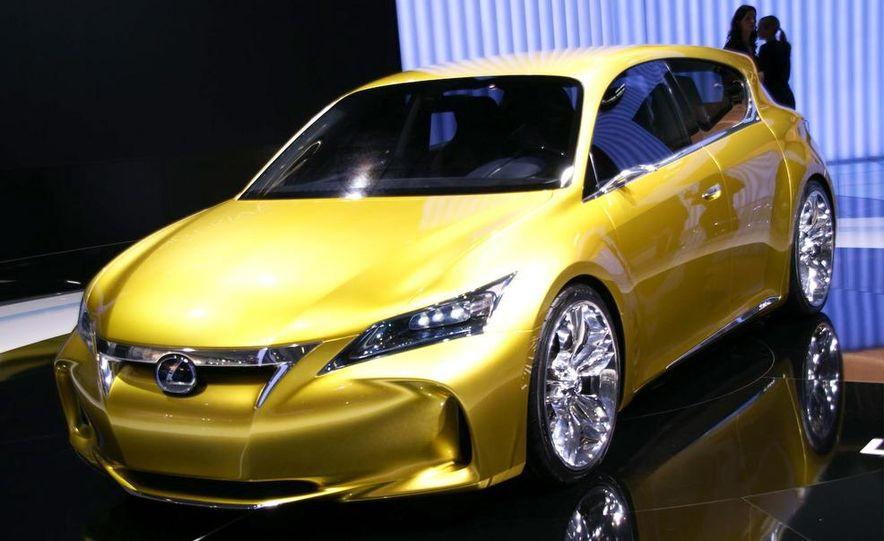 Lexus LF-Ch concept - Slide 7