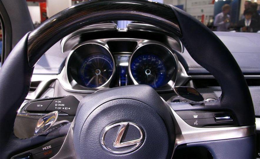 Lexus LF-Ch concept - Slide 23