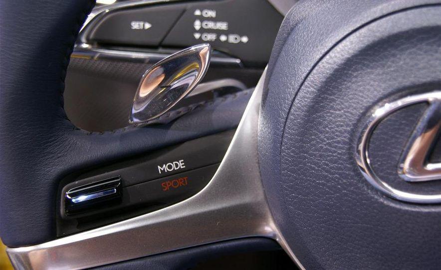 Lexus LF-Ch concept - Slide 19