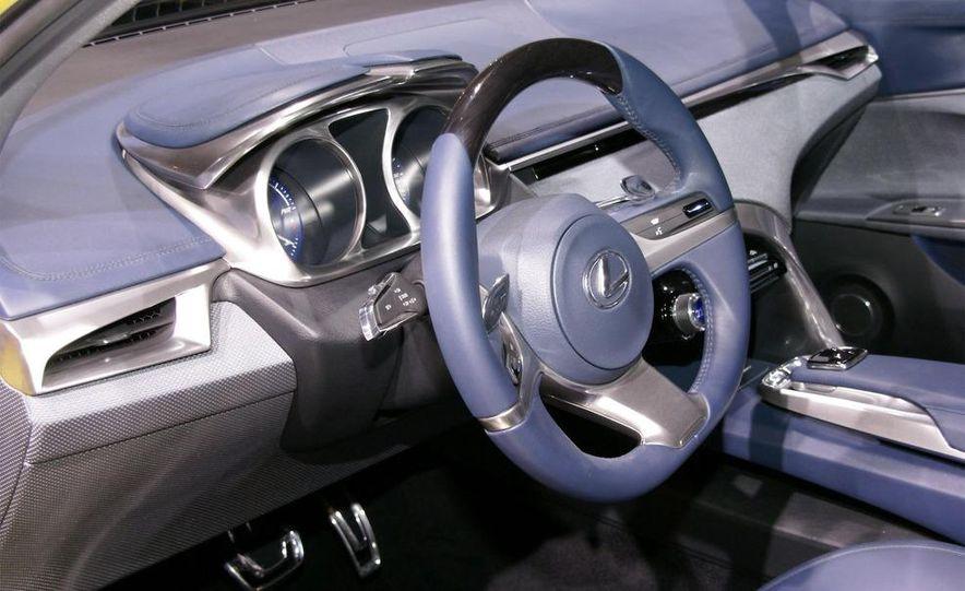Lexus LF-Ch concept - Slide 28