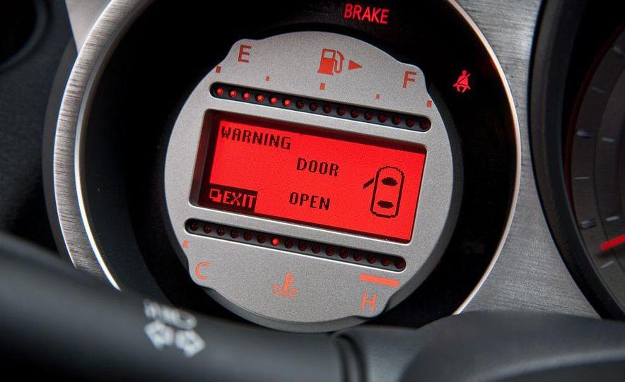 2010 Nissan 370Z roadster - Slide 23