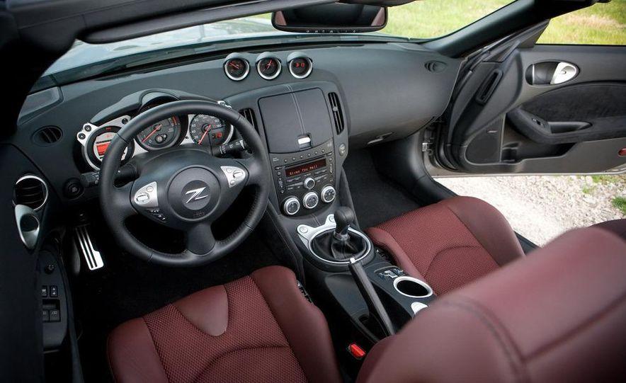 2010 Nissan 370Z roadster - Slide 24