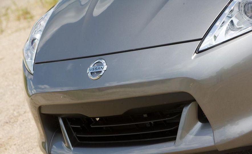 2010 Nissan 370Z roadster - Slide 11